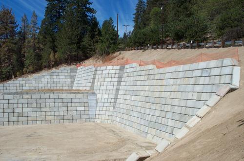 Block Retaining Wall Design Manual: Large Concrete Block Retaining Walls